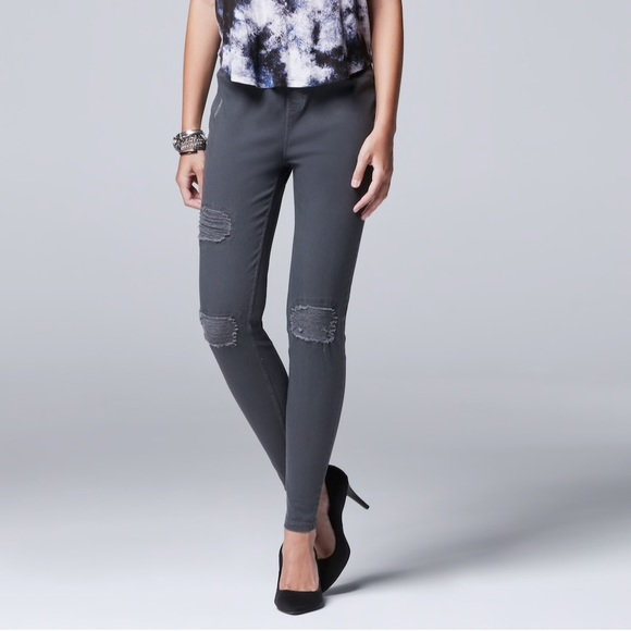 bcd074ae24a SIMPLY VERA WANG Ripped Denim Legging Skinny Jeans